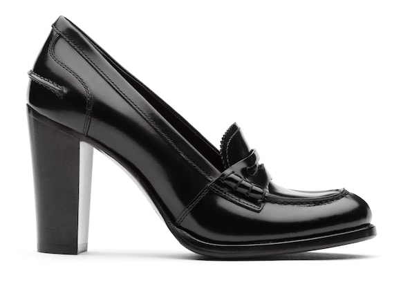 Polished Fumè Heeled Loafer