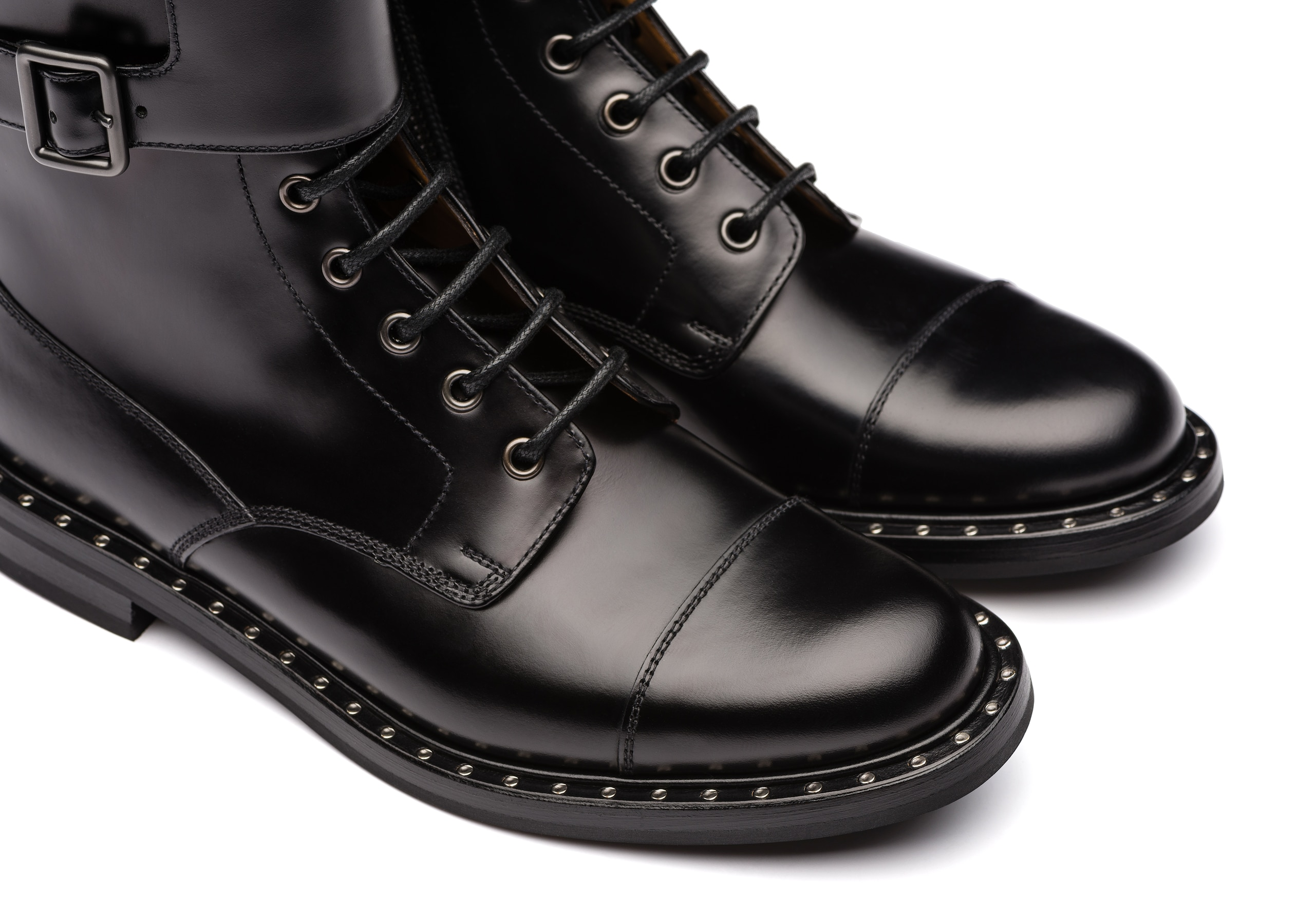 Stefy met Church's Rois Calf Lace-Up and Monk Boot Black