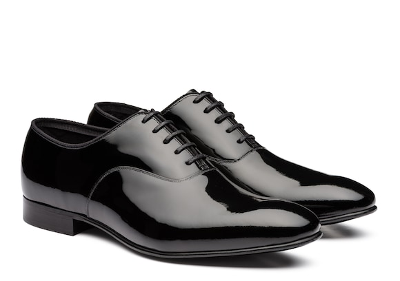 Church's true Oxford Brogue in Vernice Nero