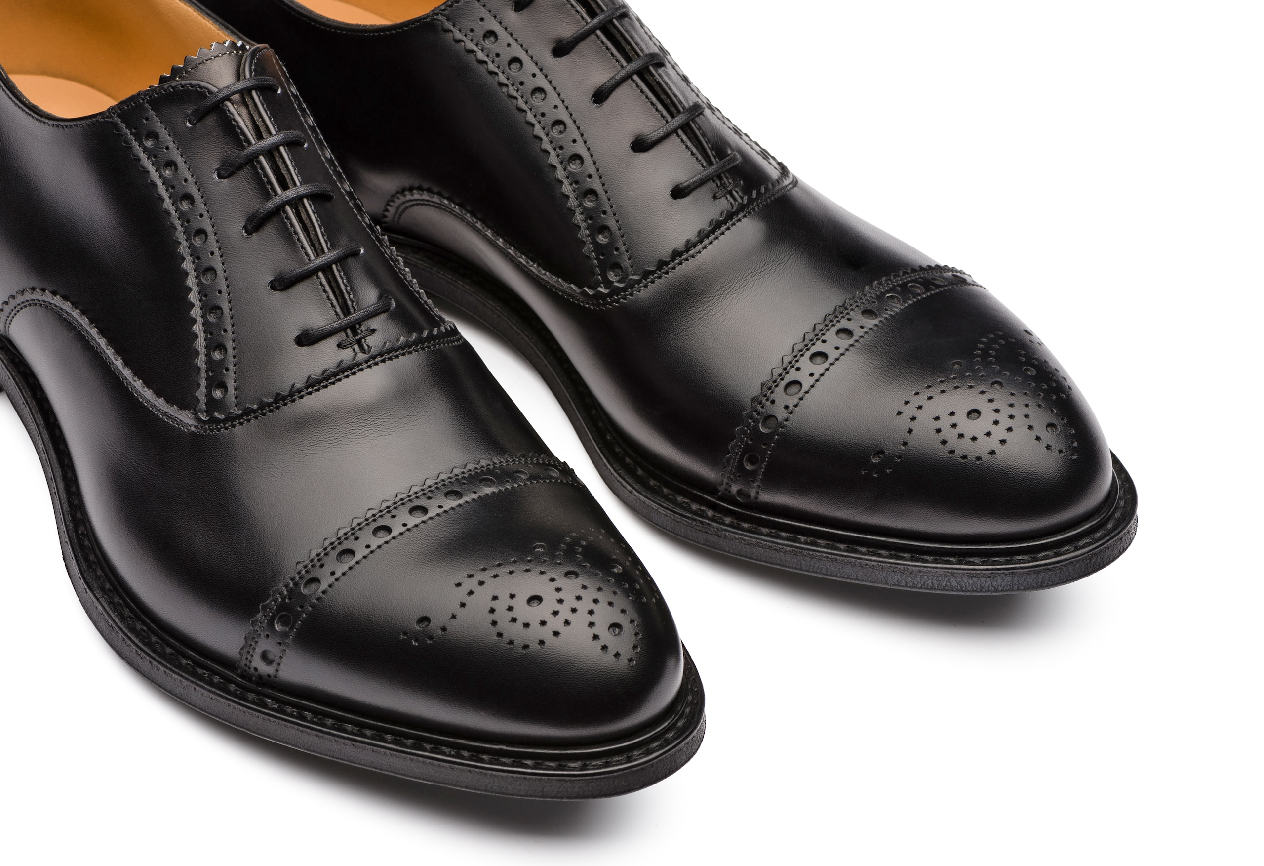 Waltham Church's Oxford Brogue in Pelle di Vitello Nero